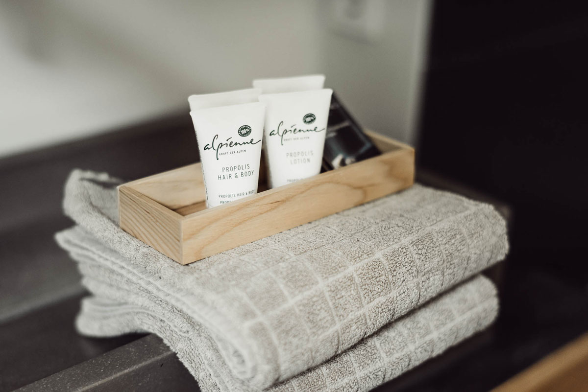 Chalet N°1 - der Superstar unter den Luxuschalets. - biologische hochwertige Pflegeserien in den Badezimmern